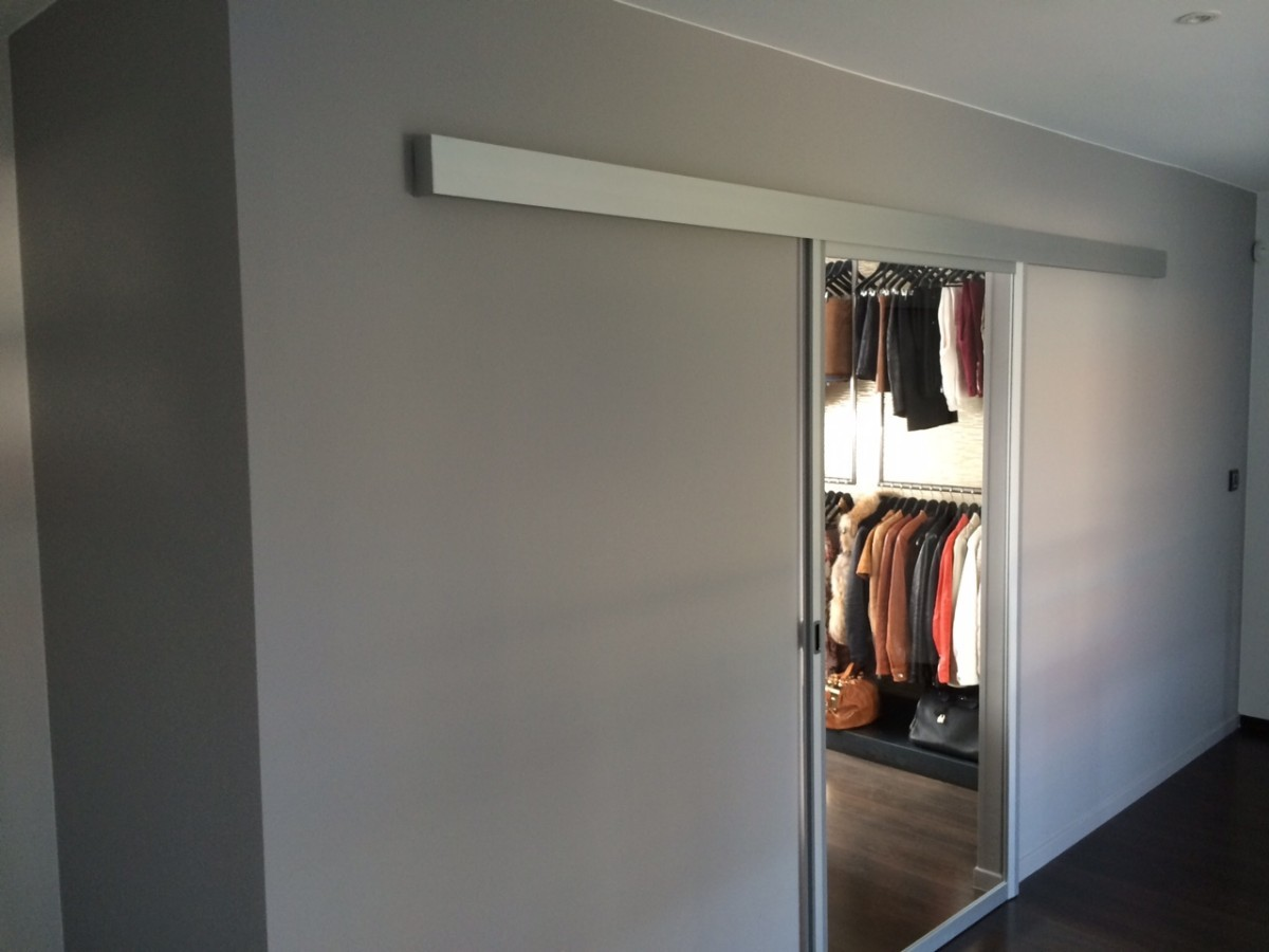 Jv concept conception et r alisation d 39 int rieur au for Porte en miroir